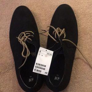 Men's shoes, size 12 in black